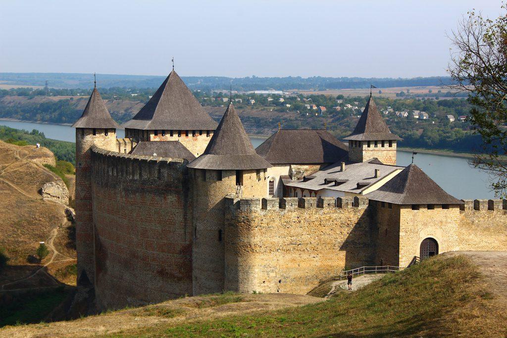 Хотынская крепость, Украина