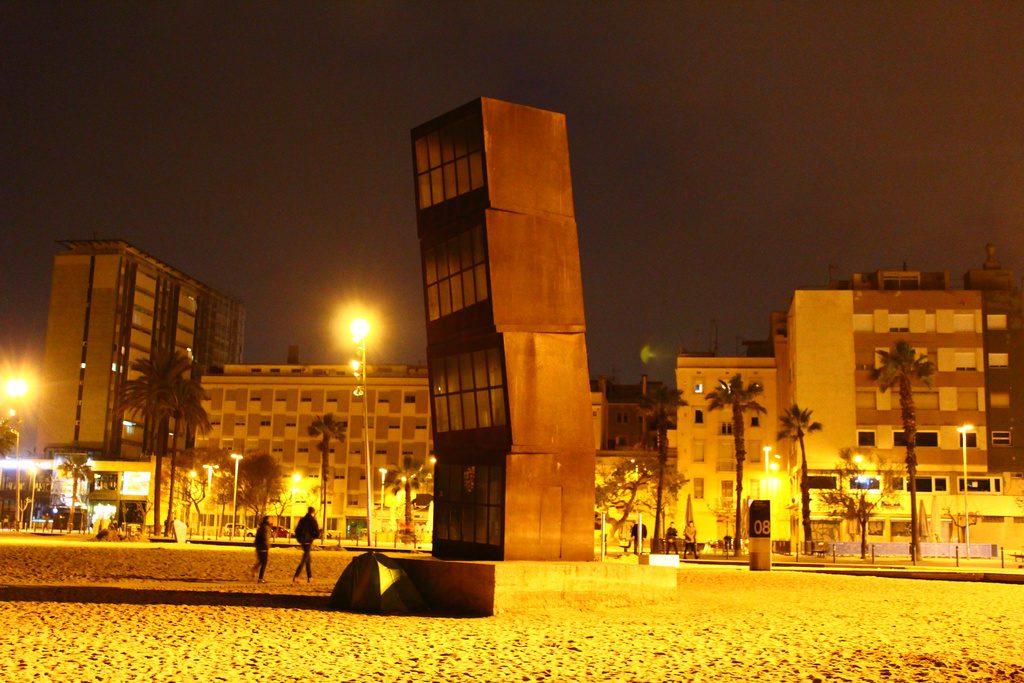 Барселона, пляж Сан-Себастьян