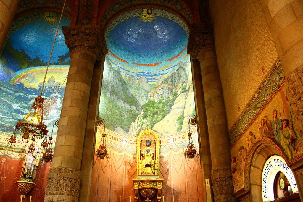 Барселона, парк Тибидабо, Храм Святого Сердца