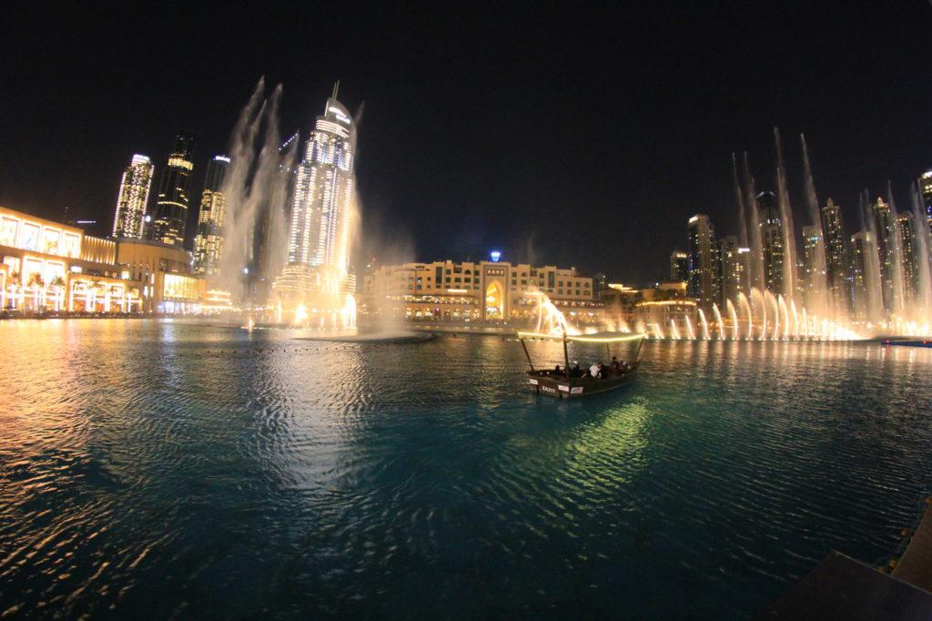 Дубай, Dubai Mall, фонтаны