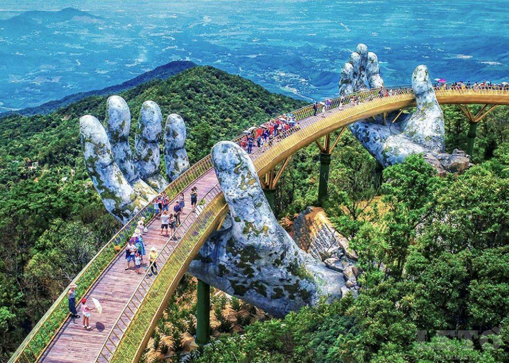 Вьетнам, Дананг, Золотой мост